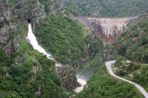 El muro de la presa de La Cohilla. Un poco más arriba han estado Las Marías