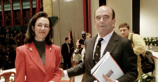 La muerte del banquero y la sucesión de su hija robaron el plano a Pedro Sánchez